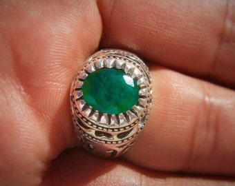 beautiful hand made natural dark green emerald sterling silver ring  925