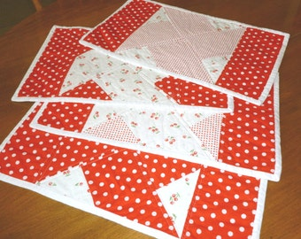 Placemat set of 4, Red and White Cotton Quilted Placemats, Machine Washable Snack Mats, Quilted Placemat set, Absorbent Table Place Mats