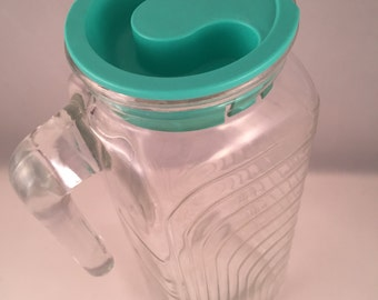 Retro Ribbed Juice Pitcher with Original Rubber Stopper
