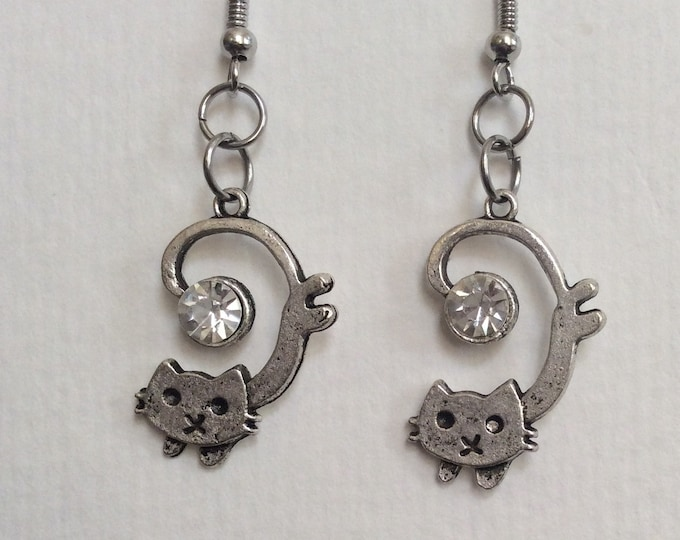 Curly cat earrings! So fun and cute