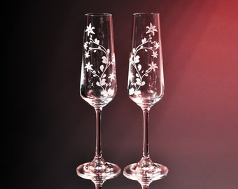 Lilys, Wedding Flutes, Champagne Flutes, Toasting Flutes, Etched Glass, Personalized, Engraved, His and Hers, Glassware, Wedding Glass