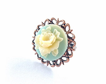 Blue and white flower ring on filigree band