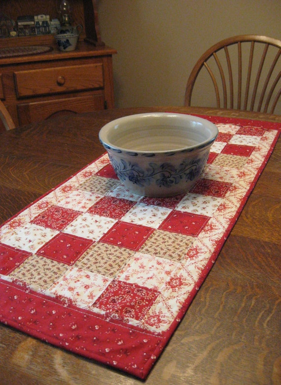 Quilted table runner, table runner, quilted patchwork table runner, patchwork table runner, country table runner, country table decor