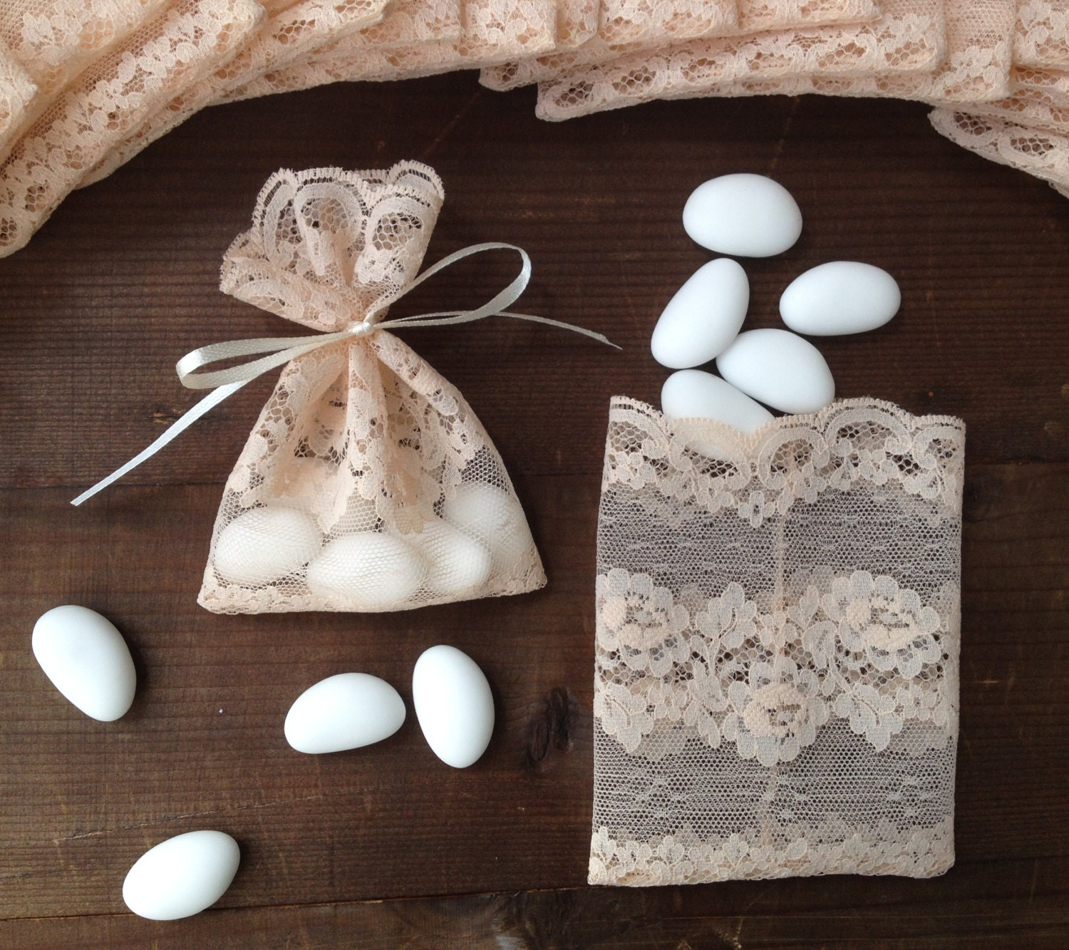 Lace favor bag italian wedding favors jewelry by almercatino for Wedding party accessories