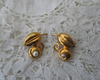 1930's earrings clip ons
