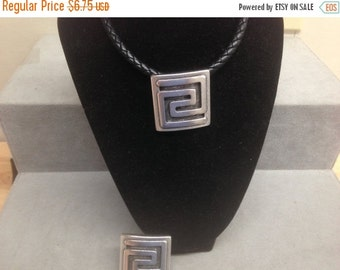 On Sale NOW 25%OFF Large Greek Square Spiral Disk Pendant Antique Silver Z1615 Qty1