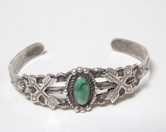 Fred Harvey era green turquoise and crossing arrows sterling silver cuff bracelet / Fred Harvey cuff bracelet / Rare Fred Harvey cuff 1950