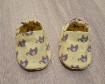 Baby Booties, Baby Gifts, Baby Slippers, Baby Crib Shoes, Baby Moccs, Baby Shoes, Animal Slippers, Yellow and Grey, Elephant Baby Slippers