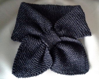 Hand knitted vintage style bow scarf - black