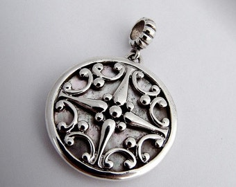 SaLe! sALe! Wind Rose Pendant Sterling Silver Mother of Pearl