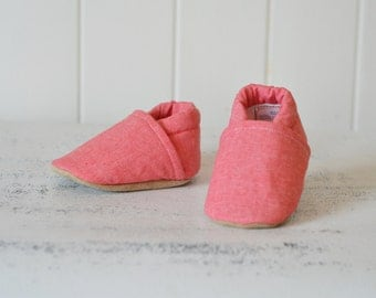 Handmade baby shoes so swine you'll squeal by TheWeeLittlePiggies