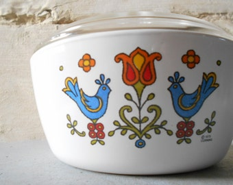 Corning ware Country Festival 1975 Pyroflam Pan with lid, Made in The Netherlands.