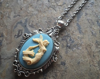 Mythical Nautical Sailor Jerry MERMAID SIREN Lady of the Sea Cameo Silver Pendant Necklace