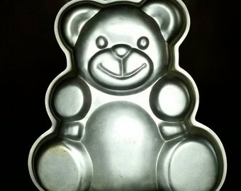 Vintage 1982 Wilton Teddy Bear Cake Pan