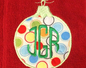 Versatile Christmas ornament machine appliqué design.  Perfect for adding an initial or a monogram.  Bonus - small, filled versions