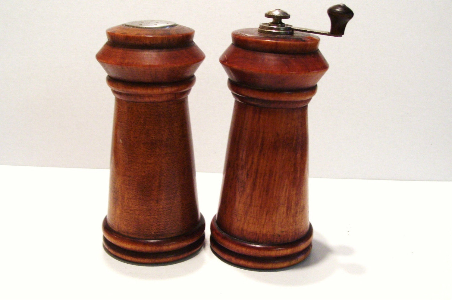 baribo wooden salt shaker and pepper mill set mid century. Black Bedroom Furniture Sets. Home Design Ideas