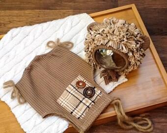 Brownley: shortalls and bonnet