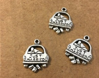 Just married charms (5 pieces)