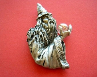 Large pin Merlin the magician magician vintage 80