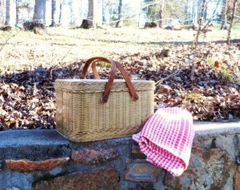 DECOWARE PICNIC BASKET- Litho Woven Wood Design- Faux Wicker Lunch Box- Luncheon Carrier- Old Tin- Wood Handles-Rare -Vintage -Metal Box