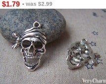 SALE Antique Silver Filigree Skull Pirate Charms 19x25mm Set of 10 A1568
