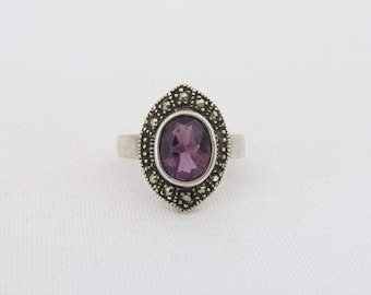 Vintage Sterling Silver Amethyst & Marcasite Ring Size 5.5