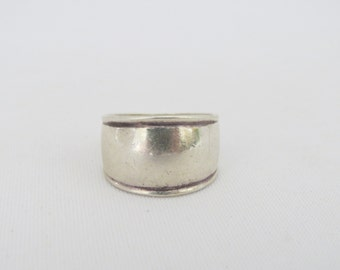 Vintage Sterling Silver Wide Band Ring Size 7.5