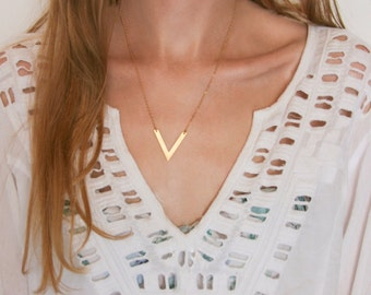 Boho V Necklace - Layering Bohemian Geometric Necklace - Minimalist Boho Chic Jewelry - Every Day Necklace