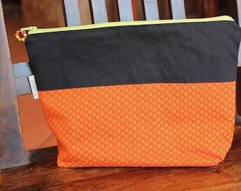 Toiletry bag , Purse organizer , Cosmetic bag ,  Make-up bag , Zipper pouch , Pencil case , Clutch bag , Handmade clutch , Rickilu bag .