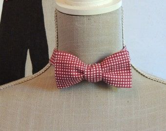 Bow tie, to tie yourself.