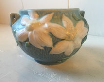 """Roseville clematis jardiniere. Blue and white, 6"""" x 5"""" planter"""
