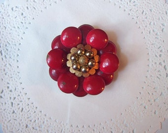 Red flower magnet (675) - Enamel flower magnet - recycled jewelry - Jeweled refrigerator magnet