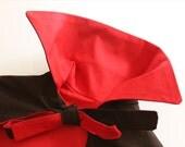 Capa de vampiro con cuello. Rojo y negro