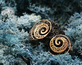 Spiral, brass earrings