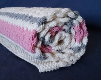 Hand Knited Baby Blanket and Hat,Knit Baby Blanket in White and Pink,Soft blanket,  FREE  SHIPPING