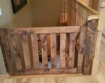 Traditional Baby or pet gate