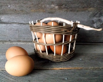Small egg wicker basket with driftwood handle-  gift for her- gift idea- handwoven basket- handwoven wicker basket