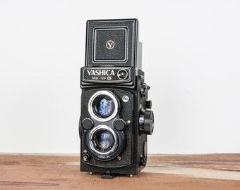 MINT Yashica Mat-124 G 6x6 TLR Camera PROFESSIONALLY Tested with Leather Case