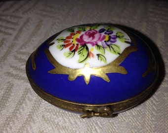 Antique, Hand painted and signed Limoges Trinket box