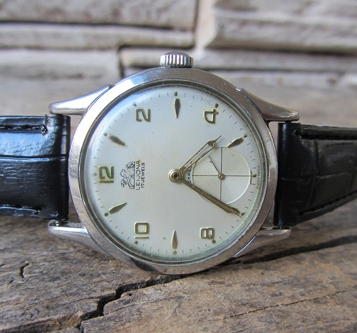 Rare vintage men 39 s watch leijona incabloc swiss made watch for Swiss made watches