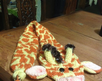 Gerry the giraffe, hand knit scarf
