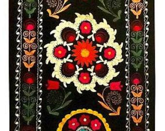 beautiful uzbek silk on velvet embroidery suzani-kirpech a7604