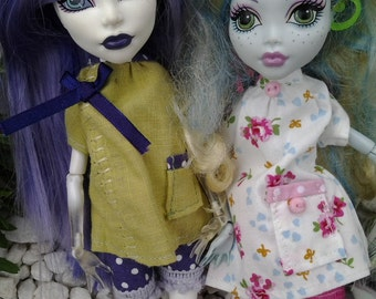 Handmade pyjamas bloomer/shorts style and top for your Monster High doll. Pick your own - listing is for 1 set only.