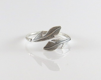 Silver feather ring , silver ring , stackable silver ring , leaf ring , silver adjustable ring