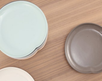 slip-cast porcelain appetizer plate