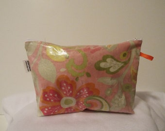 Cosmetic bags, makeup bag, box bottom, laminated cotton fabric, accented zipper pulls
