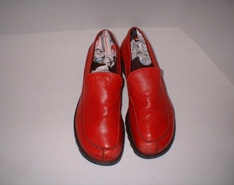 Woman's Donald Pliner Slipon Loafers Red Leather Size 8 M