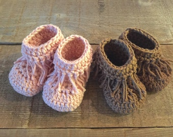 Crochet baby boots, baby moccasins, baby shoes, slippers, baby gift, photo prop, baby accessory