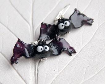 Bat lampwork earrings, halloween earrings, halloween gift, halloween bat, glass bat, black earrings, black bat, black and white earrings