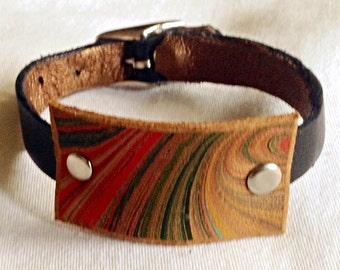 marbled leather wrist cuff lined with suede 3